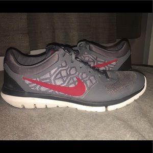 MENS SIZING gray and maroon Nike